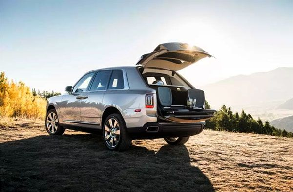 Bench-setup-in-the-trunk-of-the-cullinan-for-camping-activities