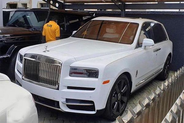Jowi-Zaza-just-bought-the-2019-Rolls-Royce-Cuilinan-Suv-In-Nigeria