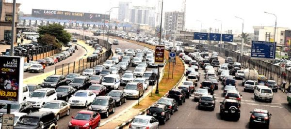 Traffic-in-Lagos-Amidst-total-Lockdown