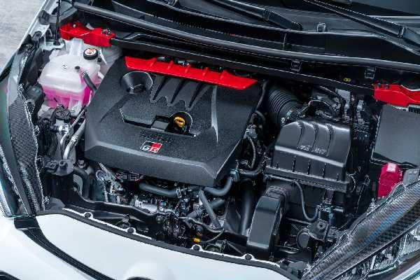 2020-toyota-gr-yaris-engine-compartment