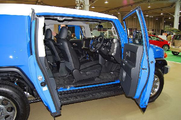 fj-cruiser-interior