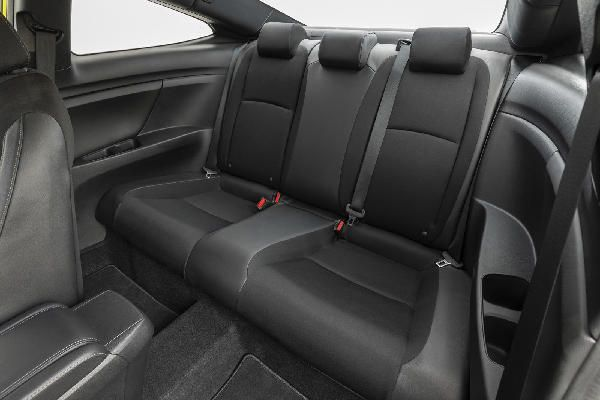 honda-civic-rear-passenger-seats