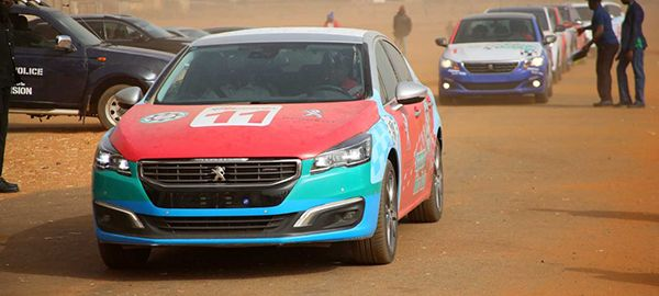 Cars-driving-in-the-Argungu-interstate-rally