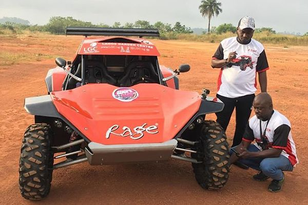 A-Performance-off-road-buggy-on-the-Ondo-race-track