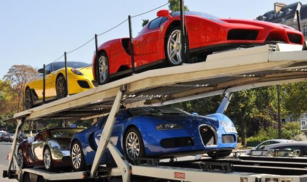 Supercars-being-transported-on-a-Trailer-bed