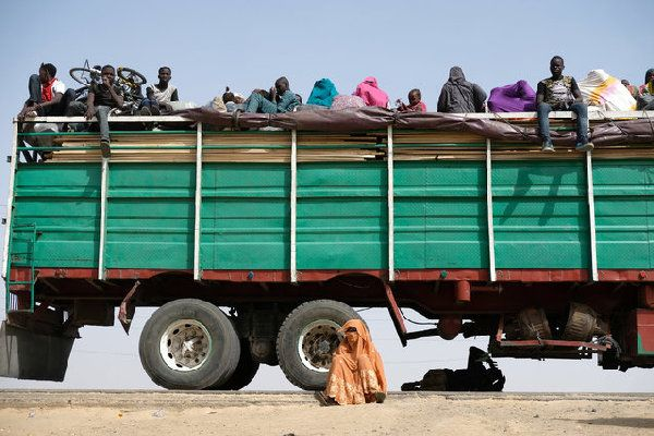 people-in-truck-bed