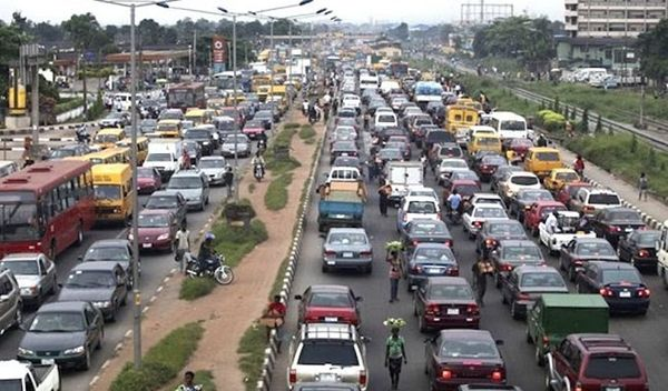 Traffic-increase-in-Lagos-due-to-the-ease-of-lockdown