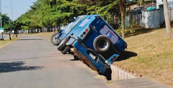 Armoured-van-accident