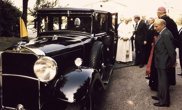 Popes-mobile