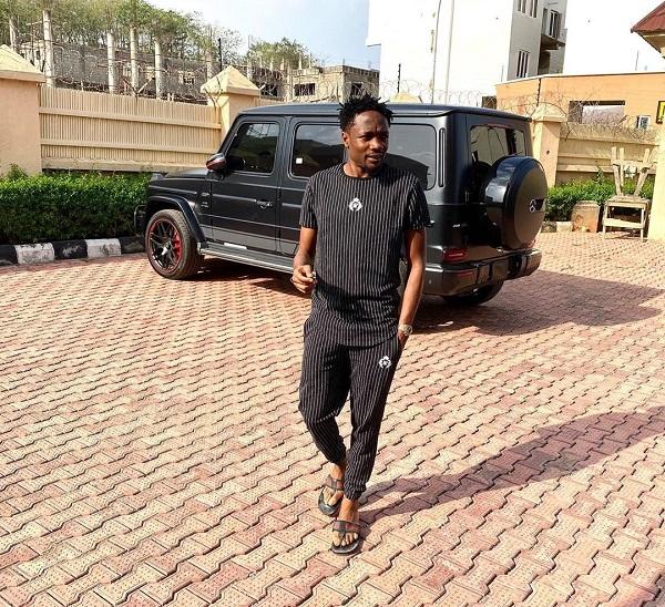 Super-Eagles-captain-Ahmed-Musa-shows-off-his-new-2019-Mercedes-Benz-GWagon