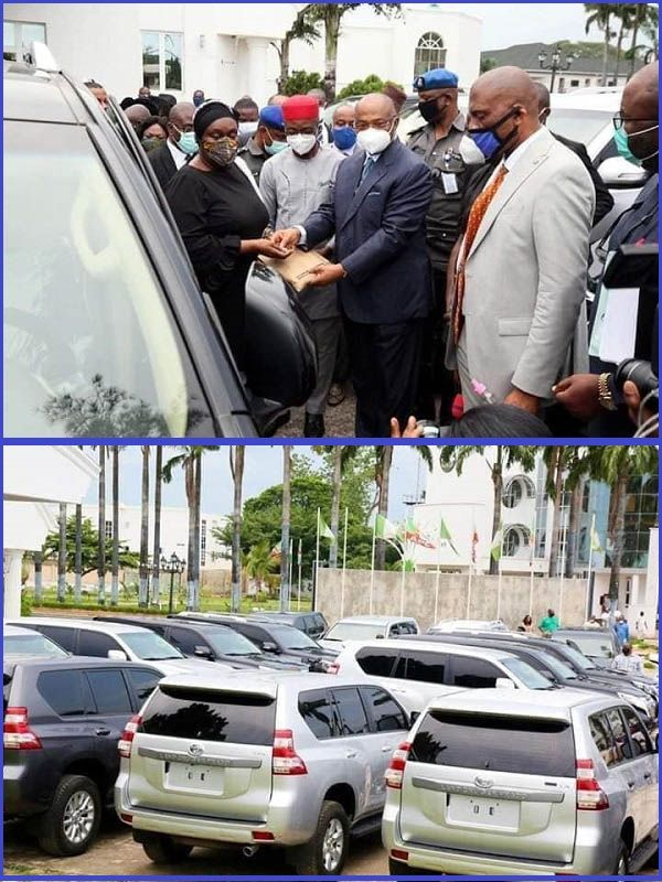 Governor-Hope-Uzodinma-gifts-20-brand-new-SUVs-to-judges-in-Imo-state