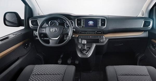 2016-Toyota-Previa-interior