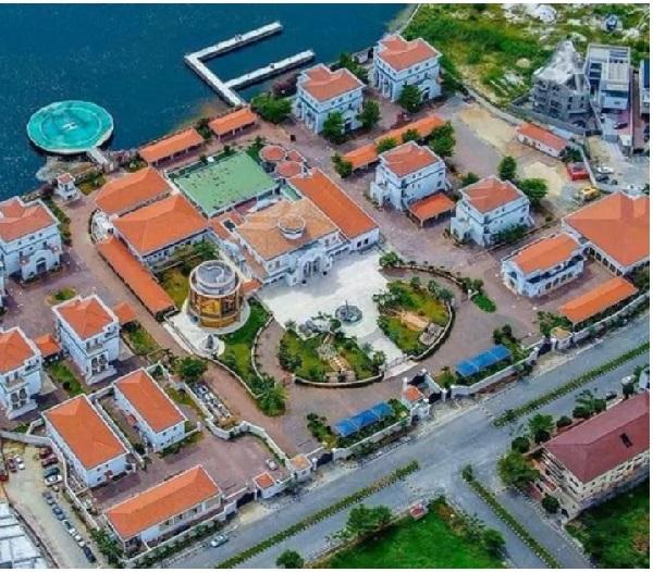 Aerial-view-of-Adenuga's-house-on-Banana-Island