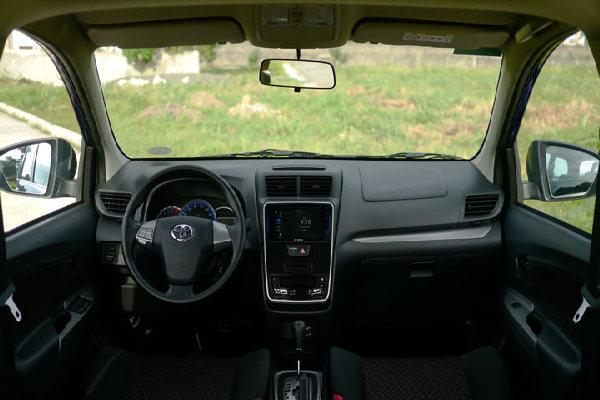 toyota-avanza-cockpit