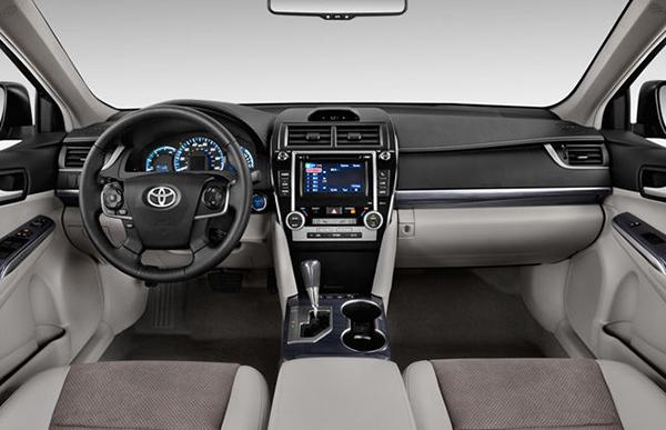 2012-Toyota-Camry-Interior