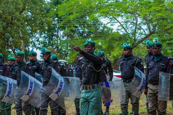 Police-Mobile-Force-72-Squadron-of-Ago-Are-in-Oyo-state