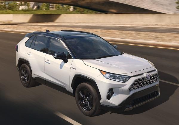 2019-Toyota-RAV4-compact-SUV