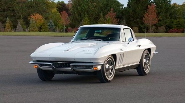 1966-Chevrolet-Corvette-Stingray