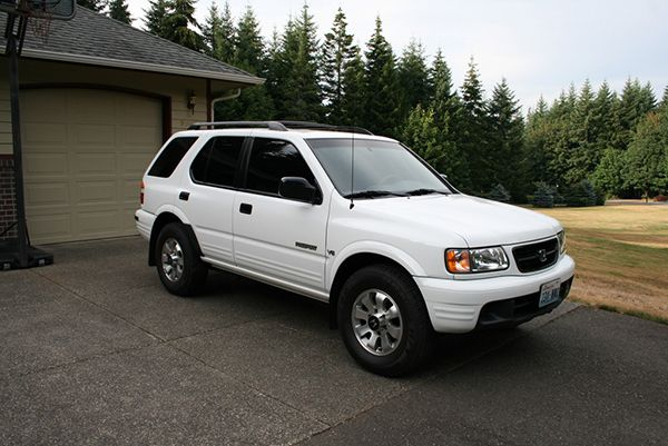 front-side-view-of-2001-Honda-Passport