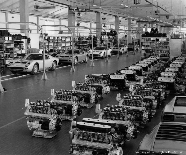 Vehicle-assembly-line