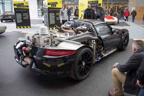 the-porsche-918-Spyrder-Rolling-Chassis