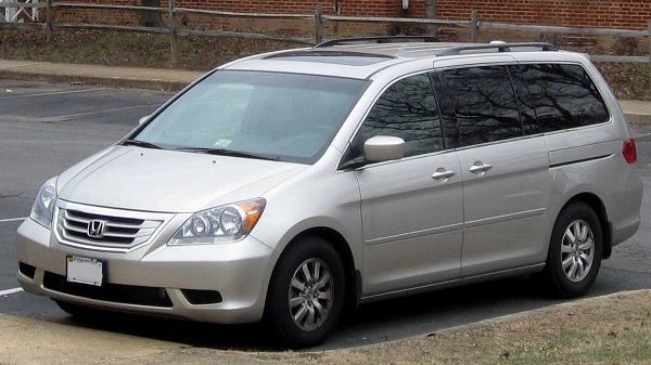 2009-Honda-Odyssey-minivan