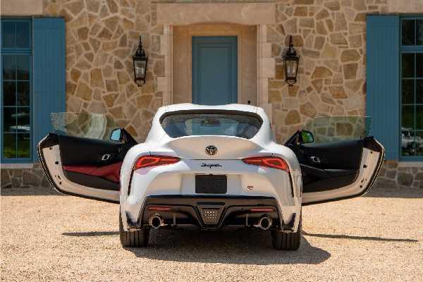 2020-toyota-supra-rear-doors-open