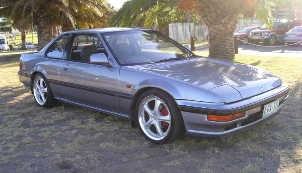 Exterior-of-1990-Honda-prelude