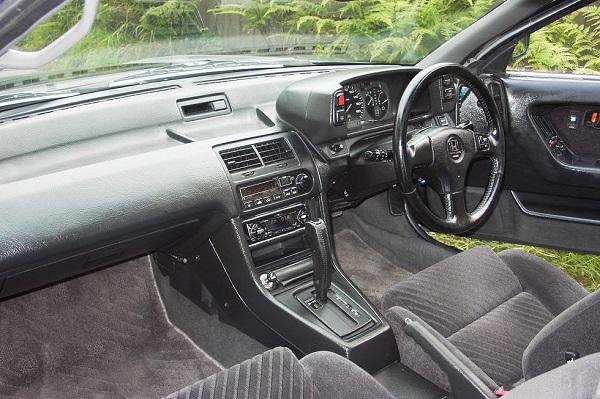 Interior-of-1990-Honda-prelude