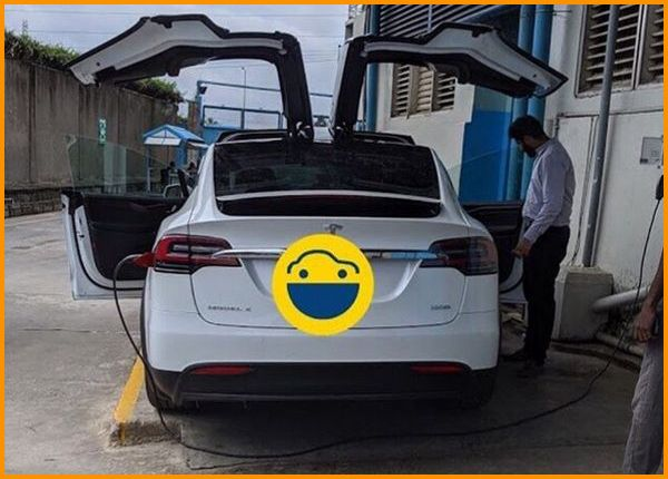 Tesla-Model-X-charging-in-Nigeria