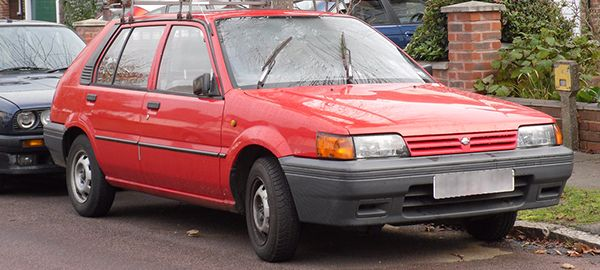Nissan-Sunny-front-view