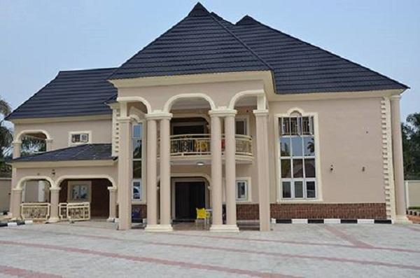 image-of-alex-iwobi-building-in-lagos