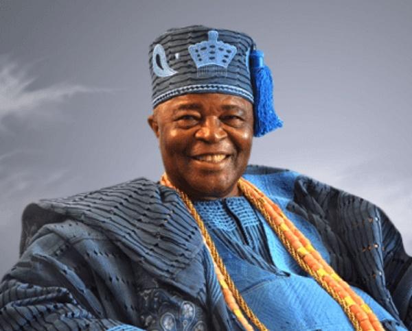 Oba-Adedotun-Aremu-Gbadebo