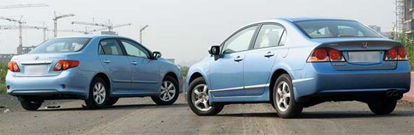 Honda-Civic-vs-Toyota-Corolla-rear-view