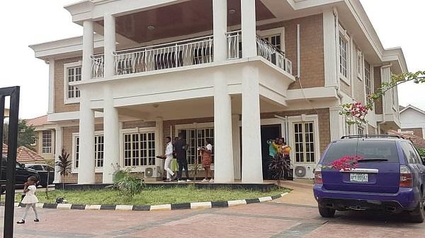 iamge-of-akpororo-house