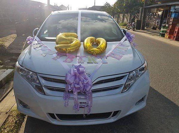 image-of-akpororo-venza-gift-to-mother
