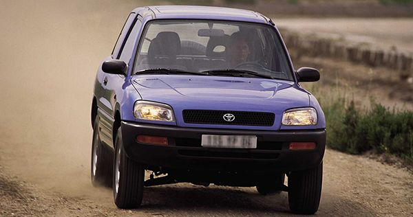 1995-RAV-4-on-the-road
