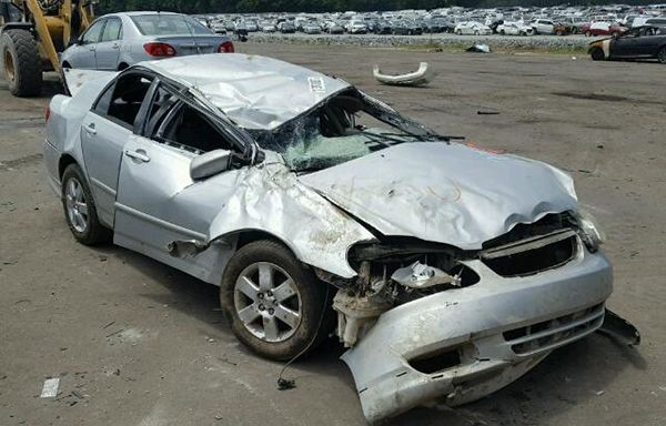 Accident-Toyota-Corolla-2004