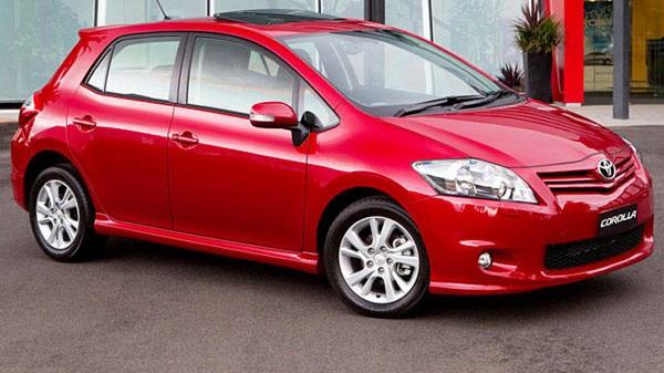 Toyota-Corolla-hatchback-2010