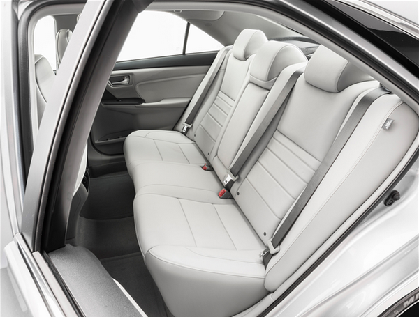 reaseat-of-Toyota-Camry-2015