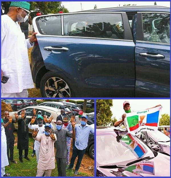 Governor-Akeredolu-presenting-new-cars-to-pro-government-Lawmakers