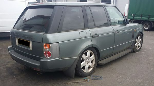 Range-Rover-with-air-suspension