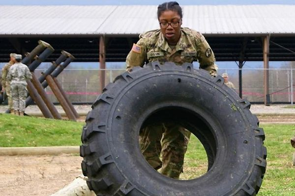 Using-old-car-tyres-for-fitness-training
