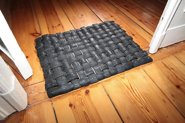 door-mat-made-out-of-old-car-tyre
