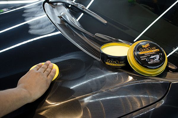 waxing-a-car-by-yourself