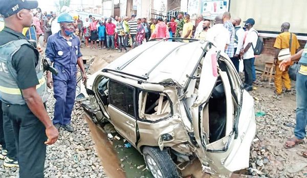 image-of-man-dies-while-trying-to-save-son-in-suv-in-lagos