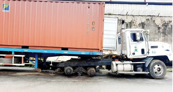image-of-apprentice-mechanic-crushed-under-a-truck-in-Lagos
