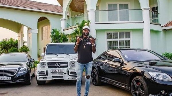 emmanuel-adebayor-mercedes-cars