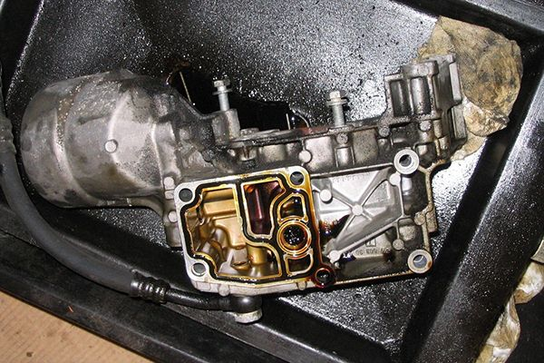 BMW-leaking-engine
