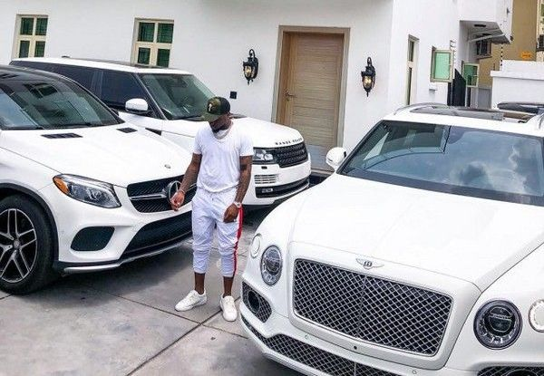 Davido-with-his-expensive-cars